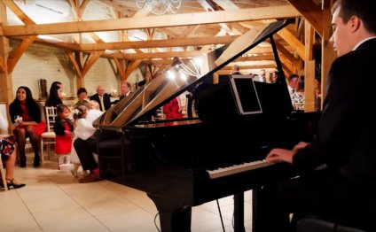 A wedding pianist for your